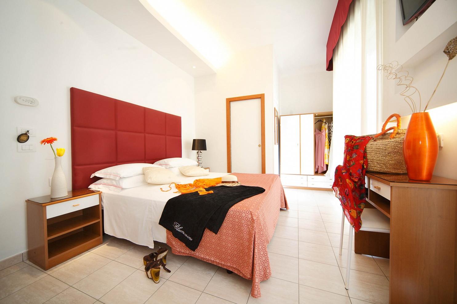 HOTEL STELLA D'ORO - RIMINI 2011